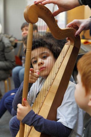 Workshop_Harfe(c)Wolfgang-Furhmannek._resizeJPG